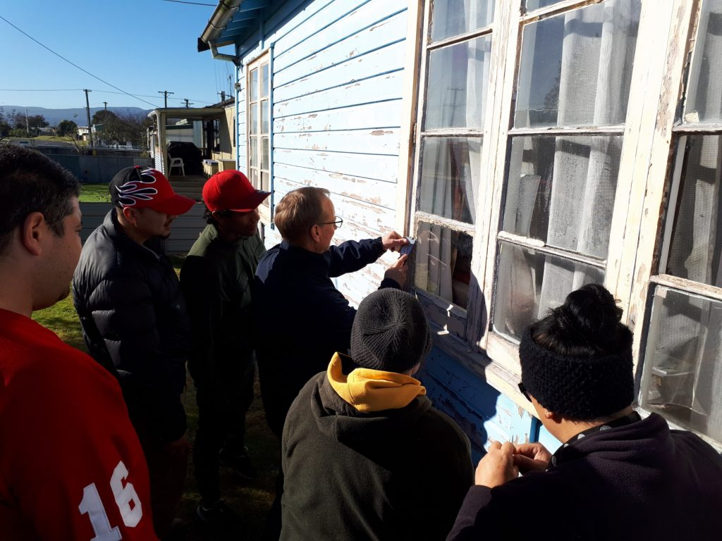 Getting stuck in at a recent Mangakino Cozy Homes community workshop